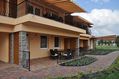 Luxusappartements aqua spa cserkeszolo appartements mit - Spa terrasse appartement ...