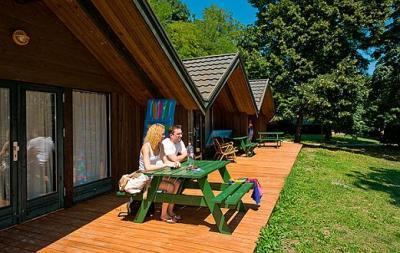 Outdoor Küche Aus Ungarn : Kalmar bungalow in tihany club tihany bungalows mit küche am