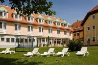 Garten des Thermalhotels in Mosonmagyarovar - Thermal Hotel Aqua ***