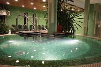 Wellness-Center mit Jacuzzi im Yacht Wellness Hotel